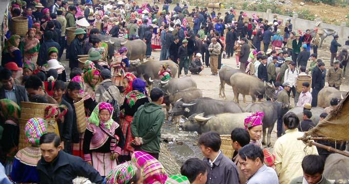 Marché de Bac Ha au Vietnam