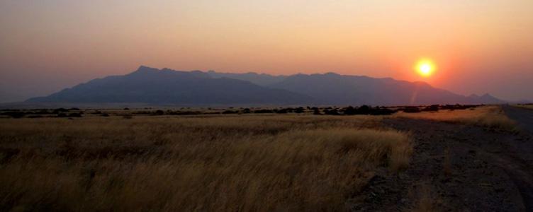 Coucher de soleil sur le Damaraland avec Samsara