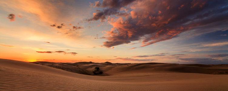Désert de Gobi coucher de soleil voyage Mongolie