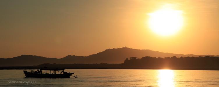 Irrawaddy Voyage Myanmar Samsara fleuve coucher de soleil
