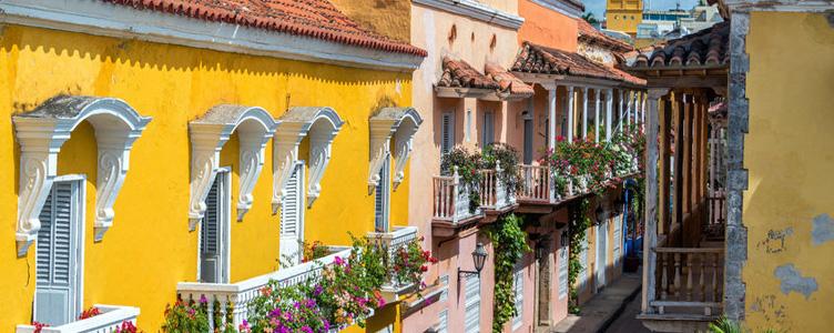 Samsara Voyage façades colorées Colombie
